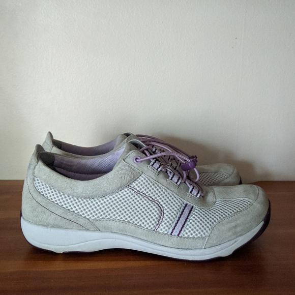 Dansko Shoes   Dansko Helen Suede
